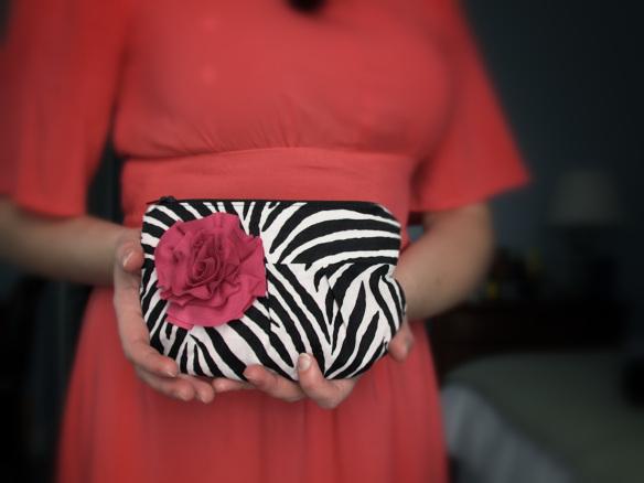zebra-clutch